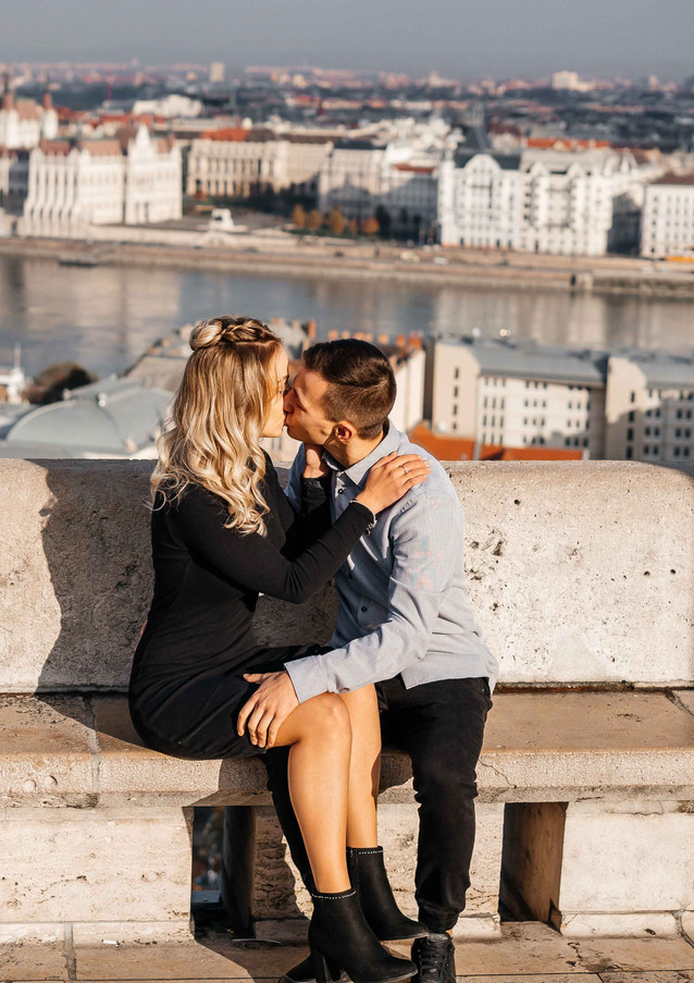 couples-photoshoot-in-budapest-1.jpg