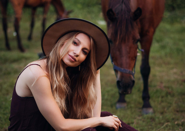 photoshoot-with-horses-10.jpg