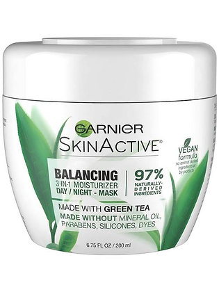 Balancing 3-in-1 Face Moisturizer with Green Tea