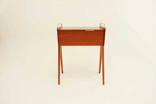 Stolek na šití/Sewing box
