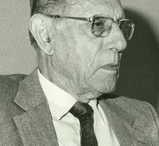 UN 11 DE OCTUBRE PERO DE 1907 NACE MANUEL GONZÁLEZ CABALLERO
