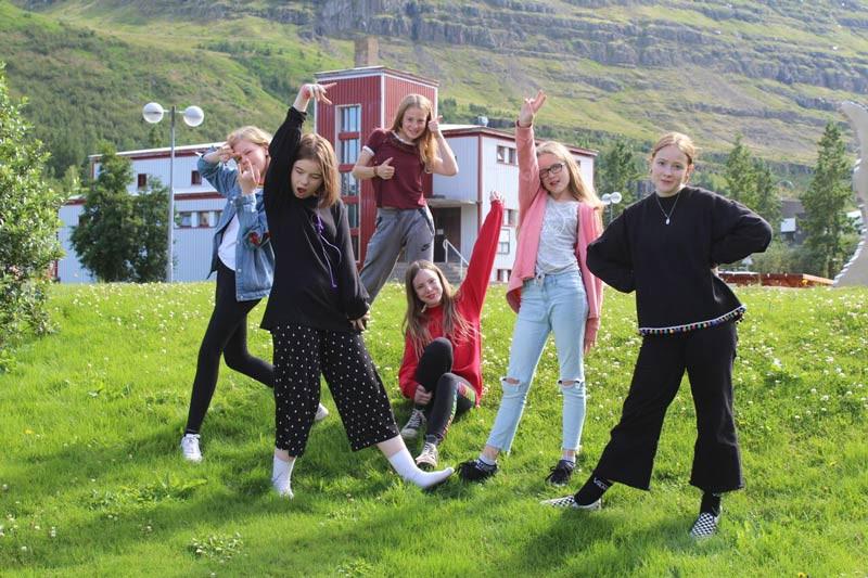 Stelpur rokka!, tónlist, rokkbúðir, landsbyggðin, úr vör, vefrit