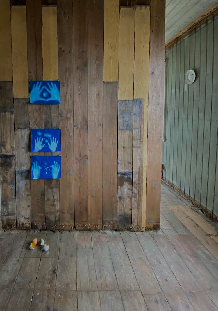 Guðbjörg Lind Jónsdóttir, Ásthildur B. Jónsdóttir, Jean Larson, The Factory, Djúpavík, Vestfirðir, list, menning, listasýning, landsbyggðin, úr vör, vefrit