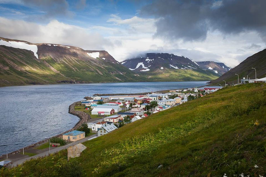 Suðureyri, Act Alone, einleikjahátíð, úr vör, vefrit