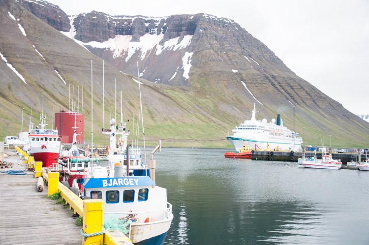 Ísafjörður, Eiríkur Örn Norðdahl, pistill, landsbyggðin, úr vör, vefrit