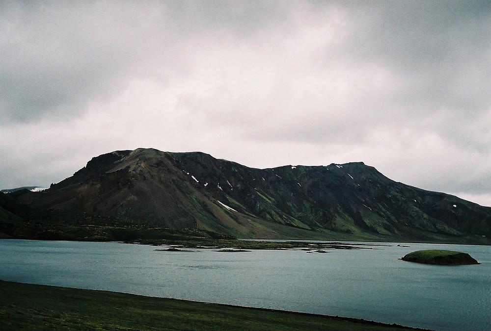 Eiríkur Örn Norðdahl, Hamskipti heimilanna, pistill, úr vör, vefrit