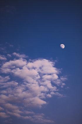 Cloud Moon by RXCROSE
