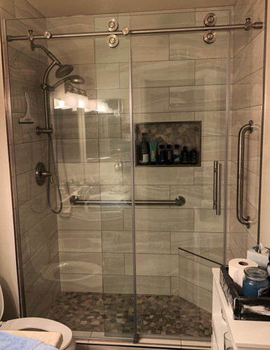 AFTER: Hall Bath with Horizontal Shower Tile