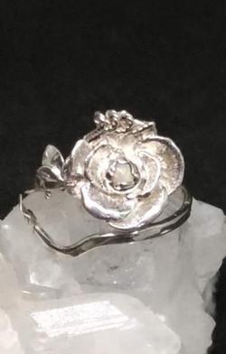 オパール 薔薇 リング