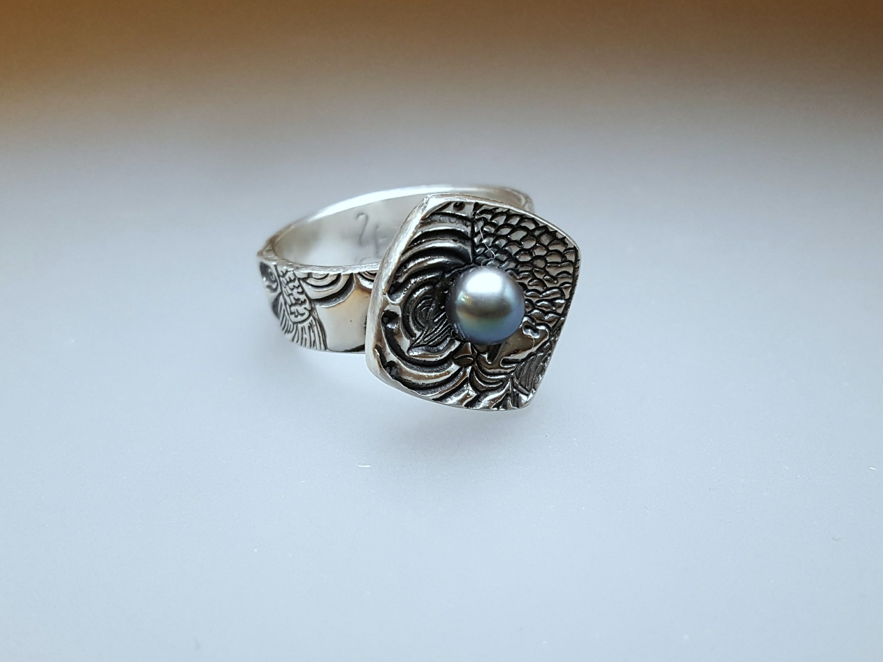 Pearl Set Koi Ring