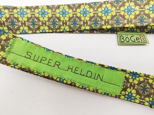 Lichtgrüne Blumen für die Super Heldin - Schlüsselband