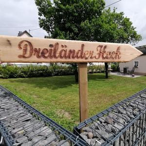 Separate Terrasse Freienwohnung Dreiländerheck Habscheid Eifel Landschaft (12).jpg
