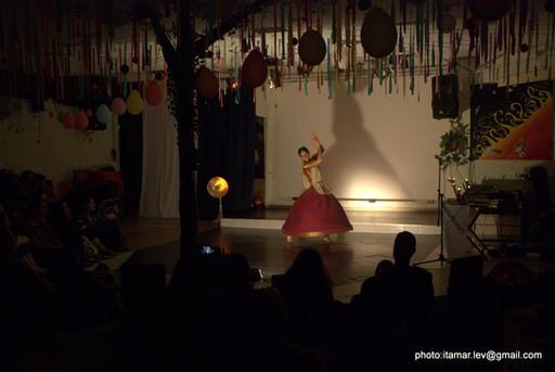 33-הופעה של מאילה במהפכה של אהבה 291.jpg