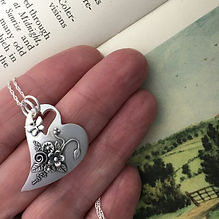 Lazy Heart English Country Garden Pendan