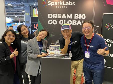 Sparklabs Team - MEET.png