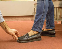 Fitting a foot in a comfort shoe