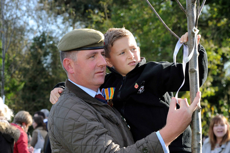 Relatives tie their ribbon.jpg