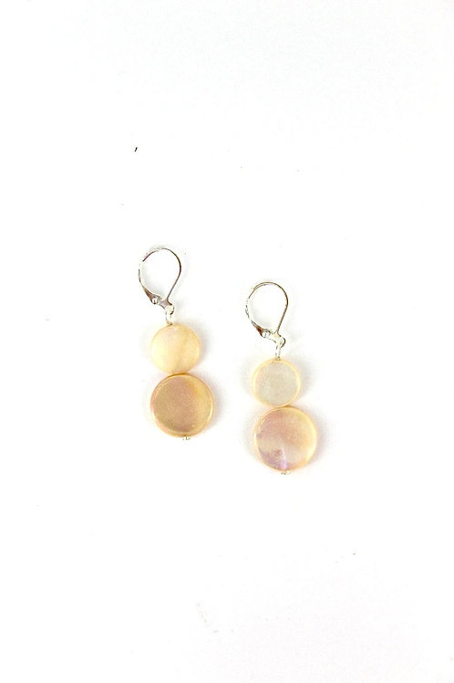 mother of pearl earring-peach
