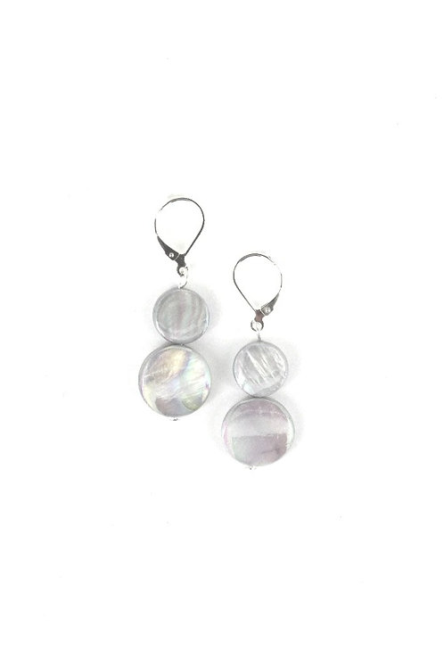 mother of pearl earring-gray