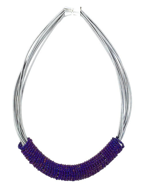 short wire necklace with purple bead rings