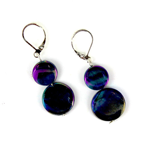 mother of pearl earring-navy blue