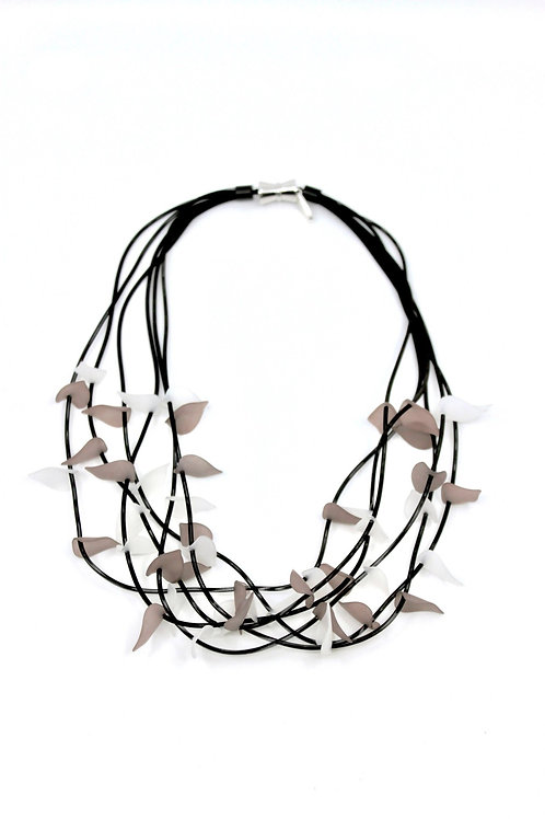 short 6-strand black wire w/gray&white resin leaves necklace
