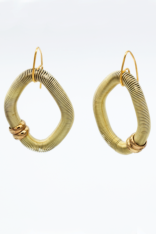 gold diamond shaped wire earring