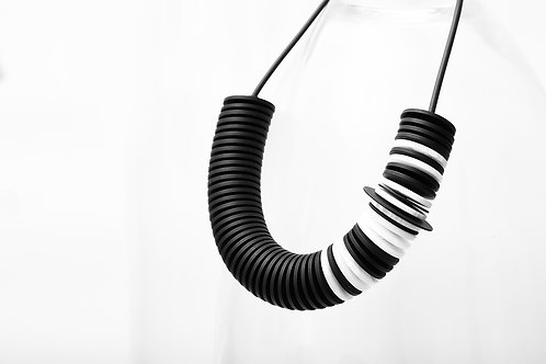 Scroll Short Necklace Black White