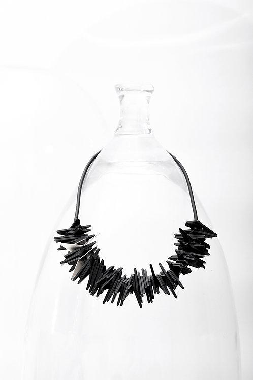Helix Short Necklace Black Silver