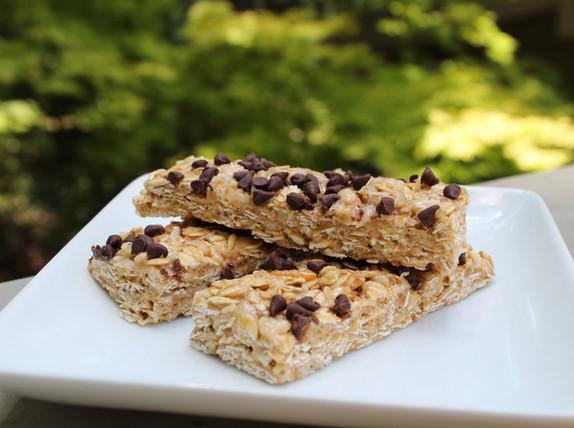 Honey Chocolate Chip Granola Bars