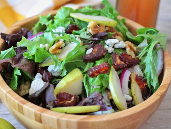 Date and Pear Mixed Green Salad
