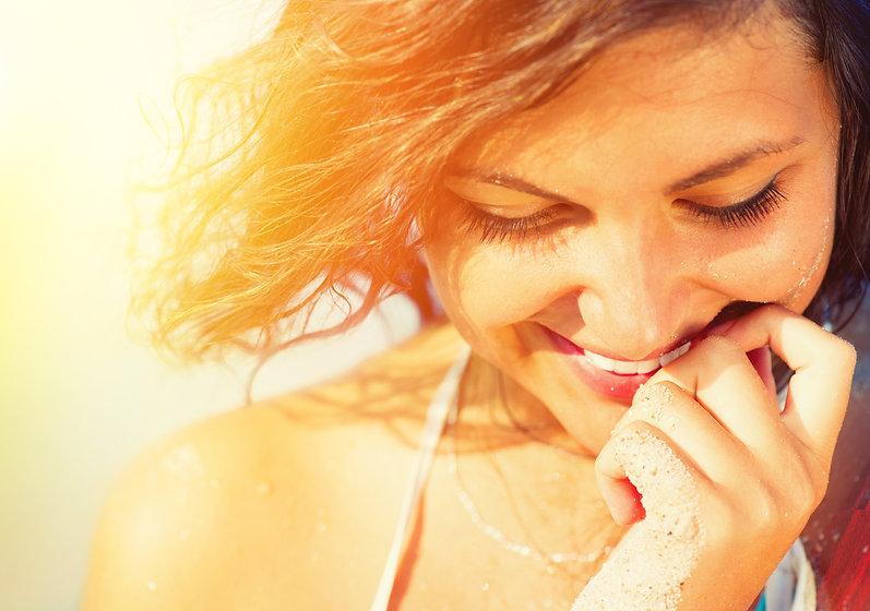 Beauty-Sunshine-Girl-Portrait.-Happy-Wom