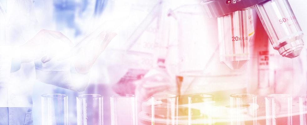 Labordiagnose_Mikroskop_Praxis_RIchter_M