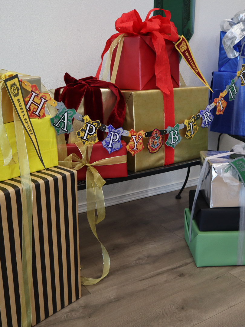 Present opening - Wizard party