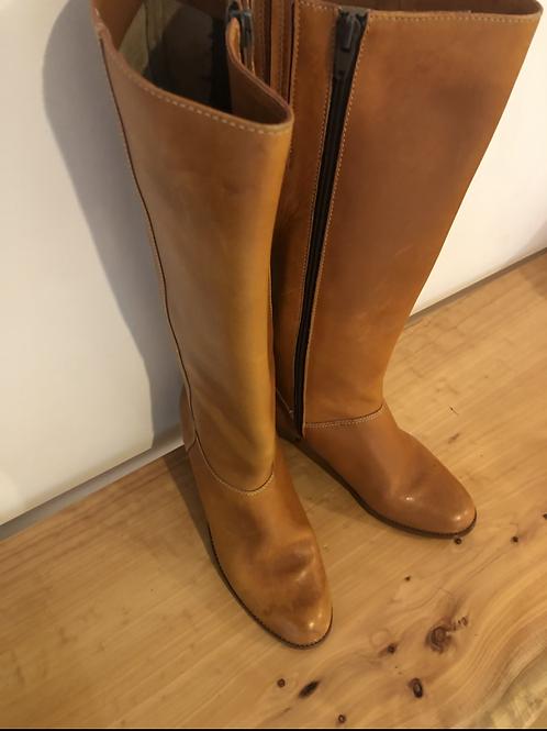 Rare vintage 1970's boho brazillan tan boots