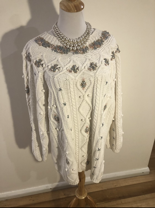 Vintage 1980's wool knit jumper with flower detail