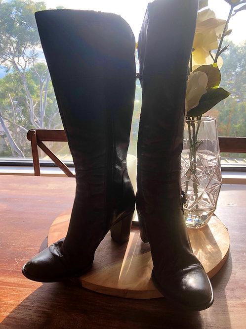 Designer Gino Ventori black leather boots