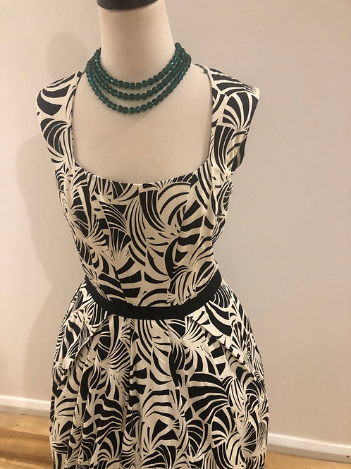 Cue 1950's style cotton frock