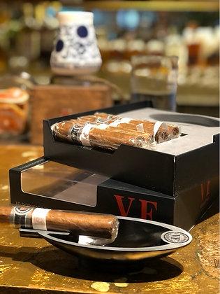 VegaFina fortaleza 2 robusto x 10 más cenicero de regalo