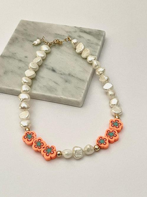 Collar Perlas de rio y flores
