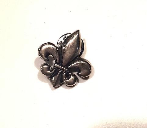Pin  Flor  de Liz