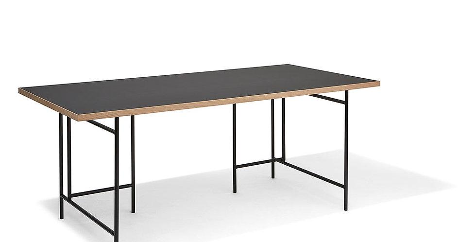 Richard Lampert, Eiermann 3 Schreibtisch