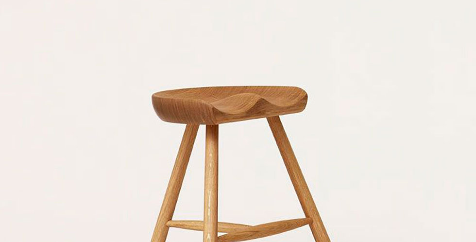 Form & Refine, Hocker