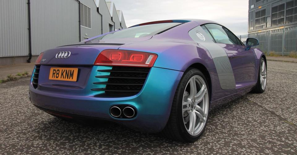 R8 Colour Flip Wrap