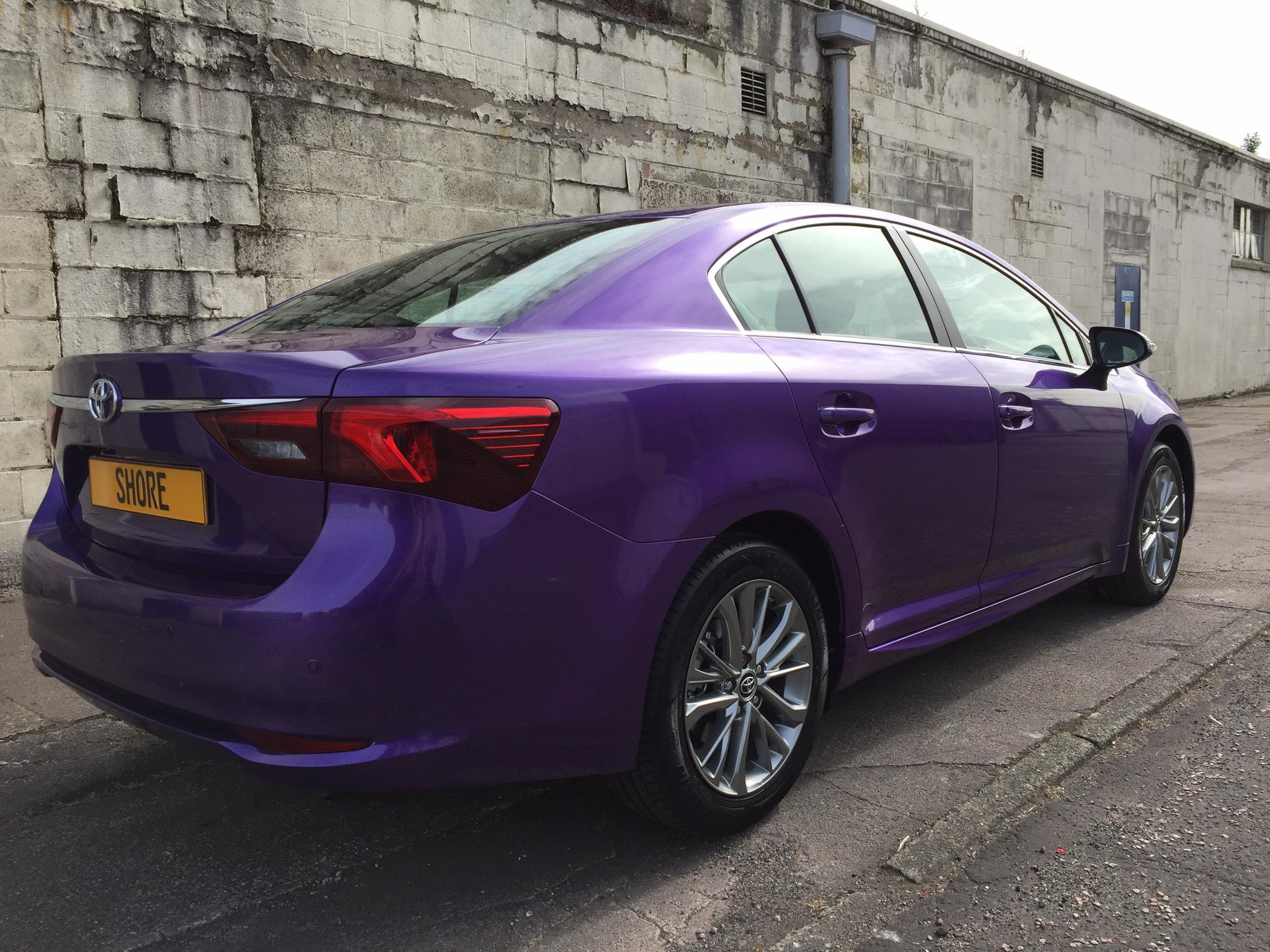 Toyota Avensis Purple wrap Rear