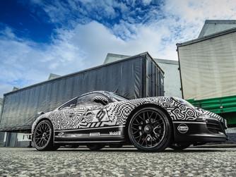Porsche 911 Black n White sides.jpg