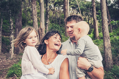 Josie-Gritten-Photography-Family-in-Wood