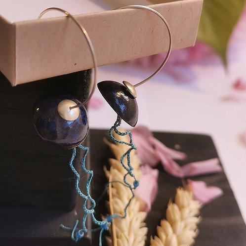 Boucles d'oreilles méduses bleues