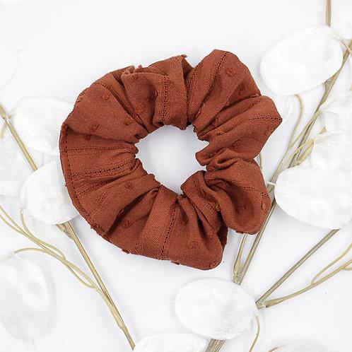 chouchouChouchou foulard- terre de sienne plumetis brodé
