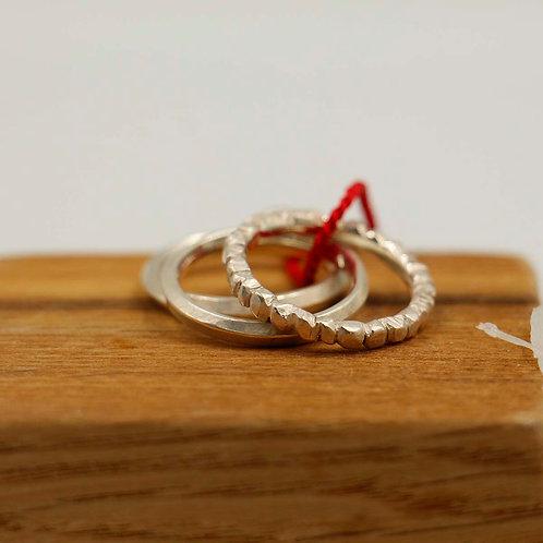 trois anneaux argent martelé, brossé
